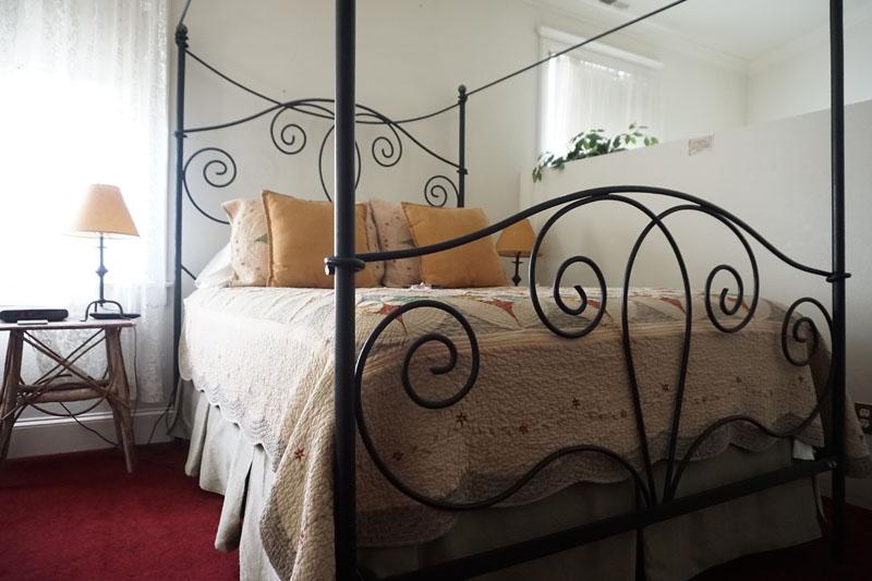 Denver mattress sale greeley co one king guest room 6 of for Affordable furniture 43rd